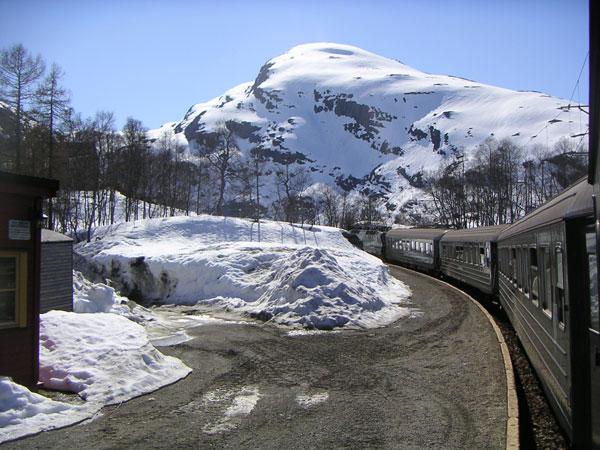 perierga.gr - 5 μοναδικά ταξίδια με τρένο σε χειμωνιάτικα τοπία!