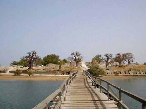 perierga.gr - Νησί... φτιαγμένο από κοχύλια!