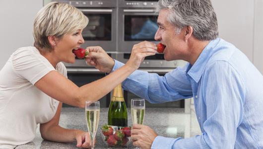perierga.gr - Όλα έχουν πιο γλυκιά γεύση όταν είμαστε ερωτευμένοι!