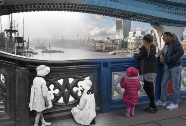 perierga.gr - Το παρόν και το παρελθόν του Λονδίνου σε μία εικόνα!