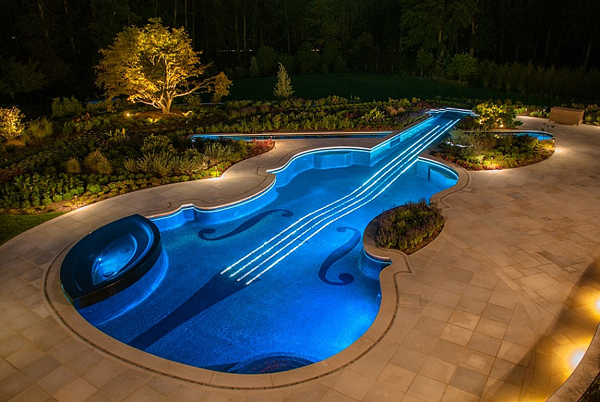 perierga.gr - Απίθανη πισίνα σε σχήμα βιολιού!