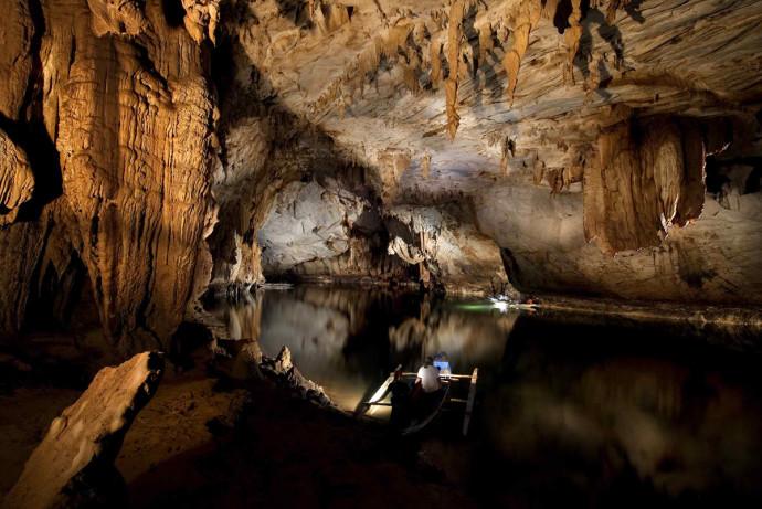 perierga.gr - Το μεγαλύτερο πλωτό υπόγειο ποτάμι στον κόσμο!