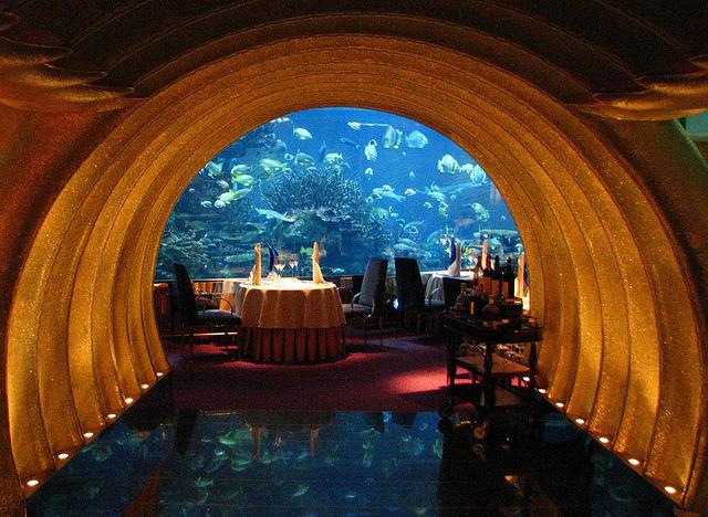 perierga.gr - Red Sea Star: Πολυτελές υποβρύχιο εστιατόριο!