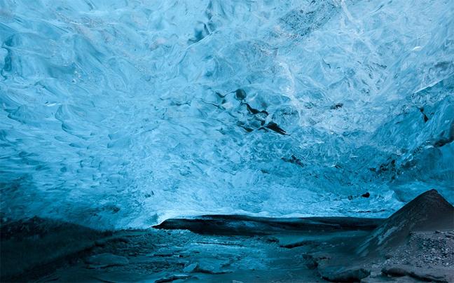Perierga.gr - Εντυπωσιακές παγωμένες σπηλιές