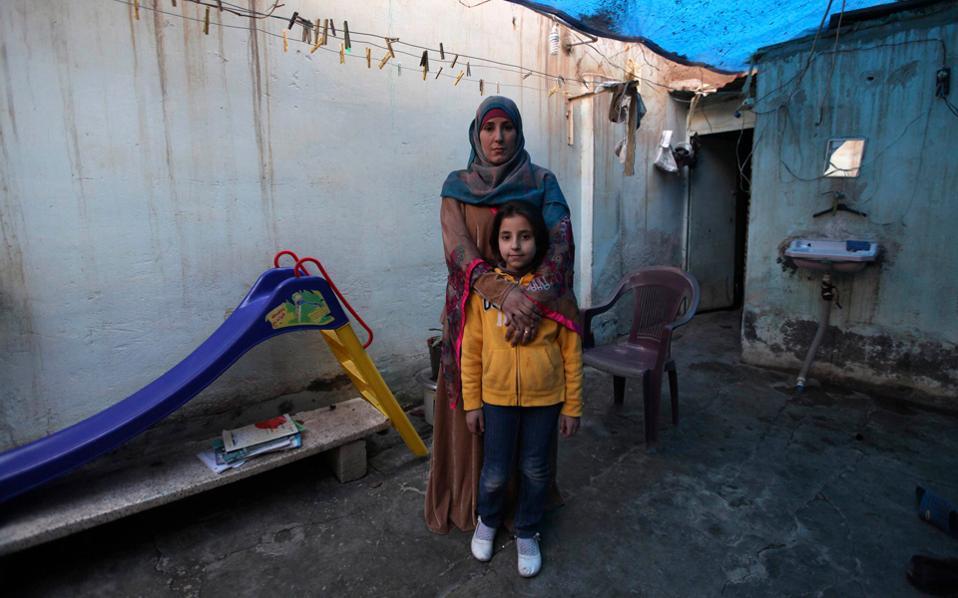 perierga.gr - Μητέρες και κόρες σε όλο τον κόσμο, για την Ημέρα της Γυναίκας!