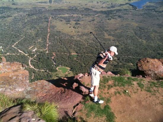 perierga.gr - Το πιο extreme γήπεδο γκολφ στον κόσμο!