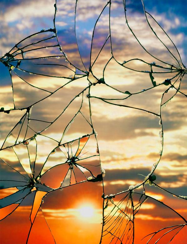 perierga.gr - Σπασμένοι καθρέφτες αντανακλούν εκπληκτικό ηλιοβασίλεμα!