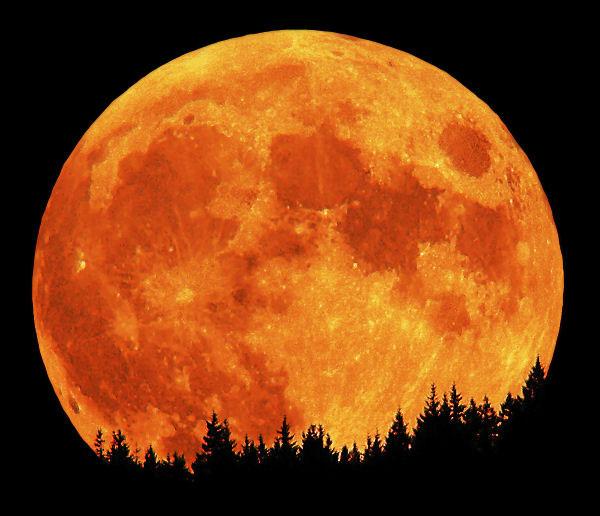 perierga.gr - Η Σελήνη είναι πιο… νέα!