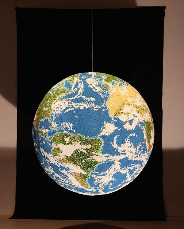 perierga.gr - Ο πλανήτης Γη από… σπίρτα!
