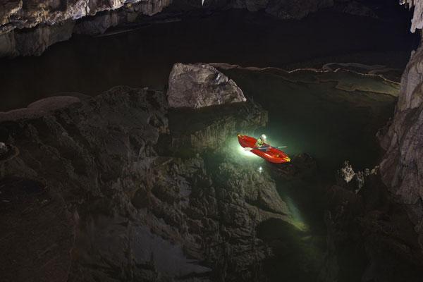 perierga.gr - Tham Lod: Μια εκπληκτικής ομορφιάς σπηλιά στην Ταϊλάνδη