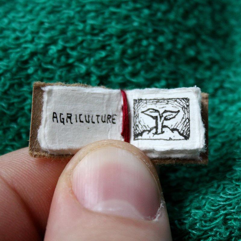 """perierga.gr - Το """"μικρό βιβλίο των μεγάλων γεγονοτων""""!"""