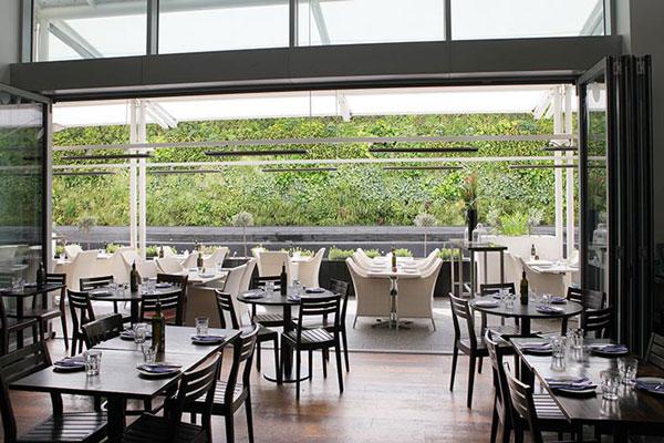 """perierga.gr - """"Real Greek"""": Το ελληνικό εστιατόριο που κάνει θραύση στο Λονδίνο!"""