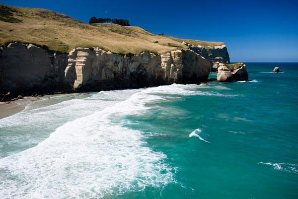 perierga.gr - Έσκαψε με τα χέρια του τούνελ που οδηγεί σε ιδιωτική παραλία!