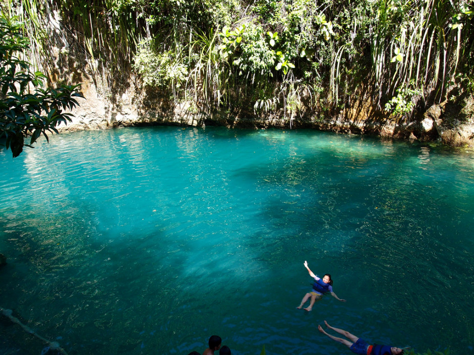 "perierga.gr - Τιρκουάζ υδάτινο ""διαμάντι"" στις Φιλιππίνες!"