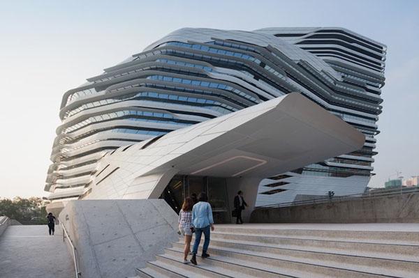 Perierga.gr - Το πιο παράξενο κτήριο πανεπιστημίου