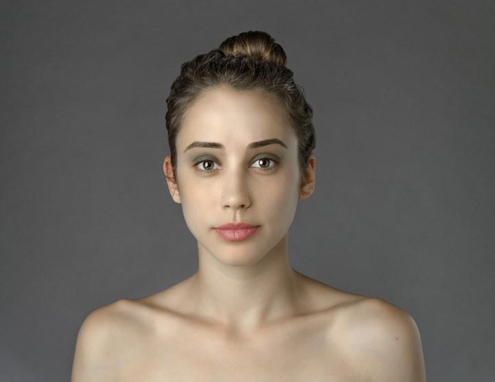 perierga.gr. - Νεαρή κοπέλα φωτογραφίζεται ανάλογα με το look κάθε χώρας!