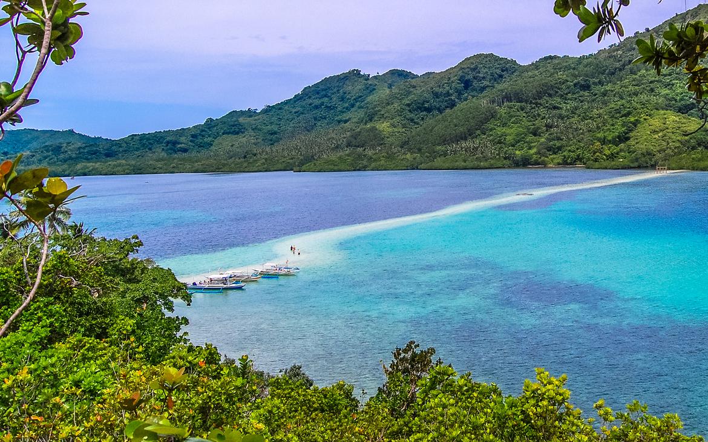 perierga.gr - Εξωτικό νησί σε σχήμα φιδιού στις Φιλιππίνες!