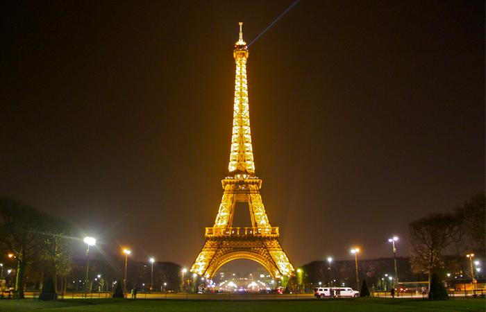 perierga.gr - «Πληρώστε όσα θέλετε» για μία νύχτα σε 5 ξενοδοχεία στο Παρίσι!