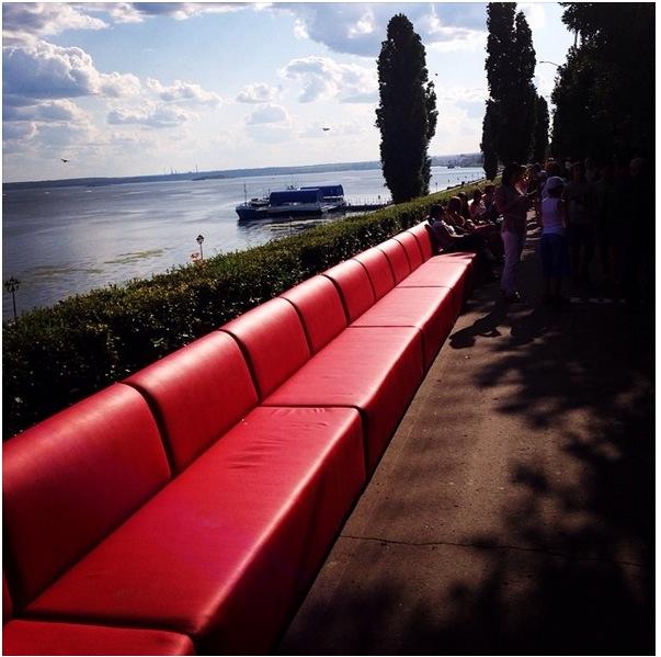 perierga.gr - Ο μεγαλύτερος καναπές στον κόσμο!