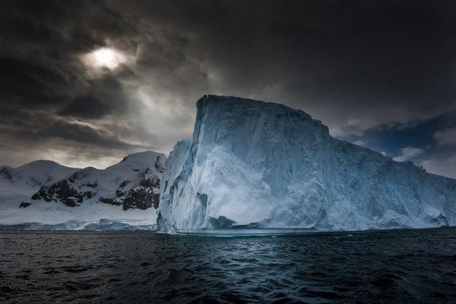 perierga.gr - Τα εκπληκτικά παγόβουνα της Ανταρκτικής!