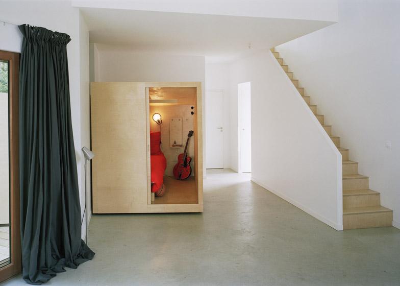 perierga.gr - Υπνοδωμάτια με ρόδες βγαίνουν στη βεράντα!
