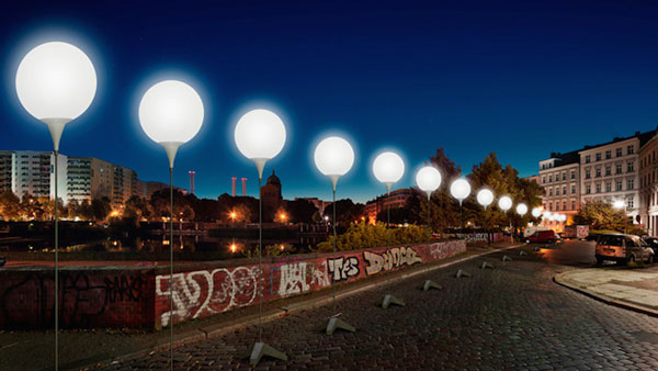 "perierga.gr - Το τείχος του Βερολίνου ""αναδημιουργείται"" με 8.000 λάμπες!"