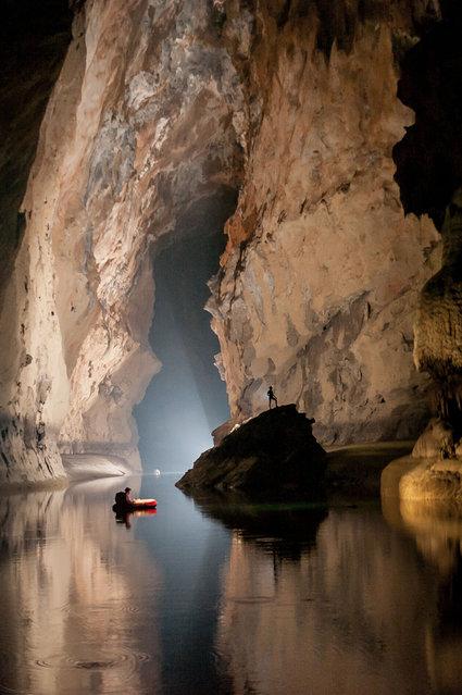 perierga.gr - Εξερευνώντας τις βαθύτερες σπηλιές της Κίνας!