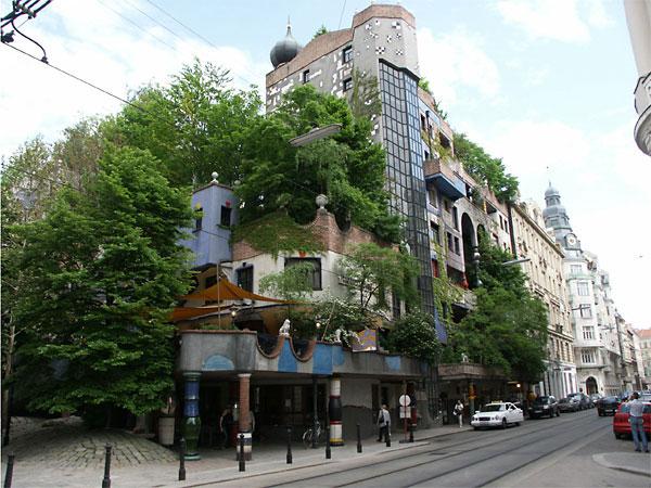 perierga.gr - Hundertwasserhaus: Το αρχιτεκτονικό ορόσημο της Βιέννης!