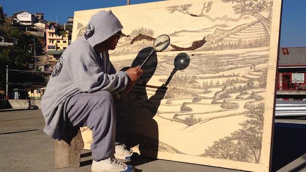 perierga.gr - Ζωγραφίζοντας με τη δύναμη του ήλιου και του γυαλιού!