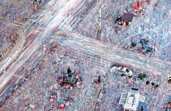 perierga.gr - 400 φωτογραφίες από την Times Square σε μία εικόνα!