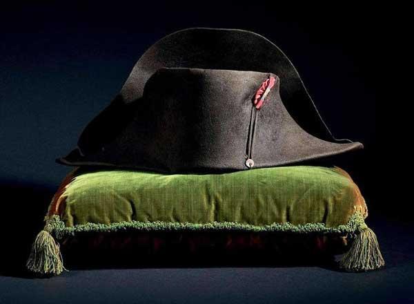 perierga.gr - 1,9 εκατ. ευρώ για το καπέλο του Ναπολέοντα!