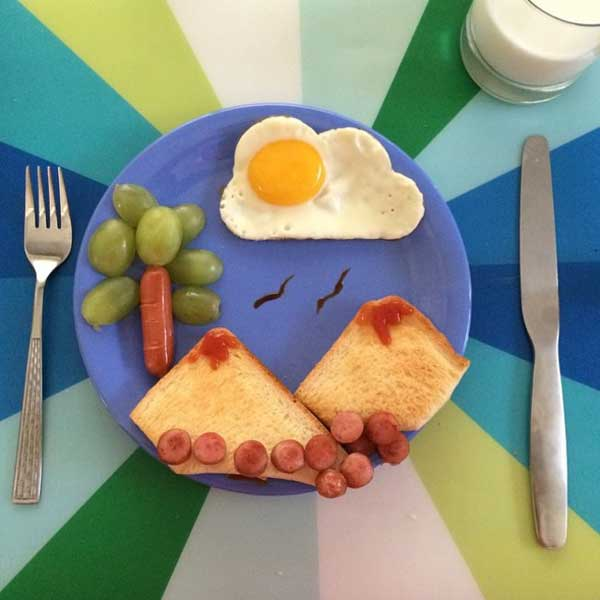perierga.gr - Δίνοντας στο πρωινό φαγητό των παιδιών χαρούμενη όψη