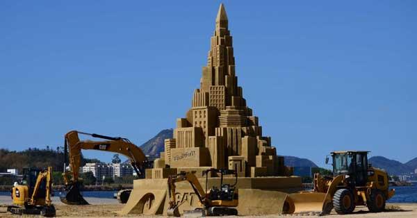 perierga.gr - Πύργος 12 μέτρων από άμμο!