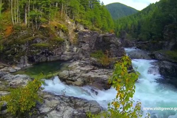 Perierga.gr - Η μαγεία της ελληνικής φύσης σε ένα βίντεο!