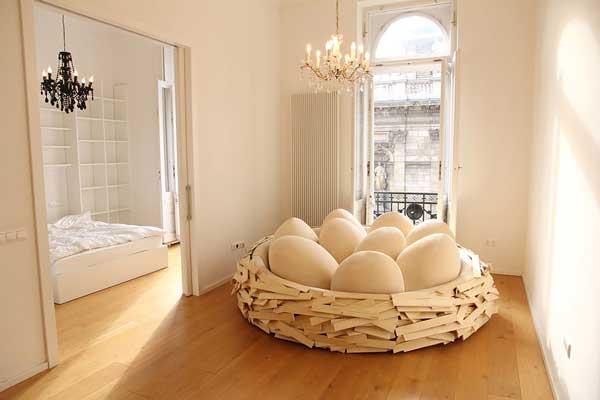 perierga.gr - Καναπές για 16 άτομα μοιάζει με φωλιά!