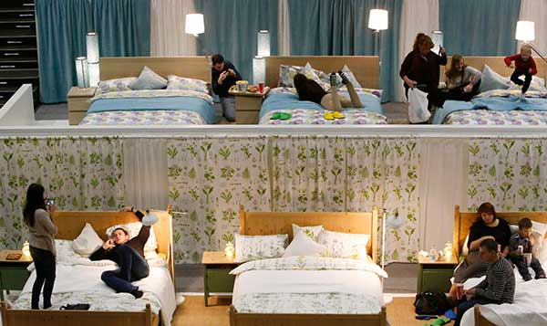 perierga.gr - Κινηματογράφος με... κρεβάτια!