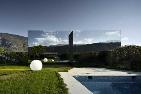 perierga.gr - Κατοικίες με καθρέφτες αντανακλούν τη μαγεία των Δολομιτών!
