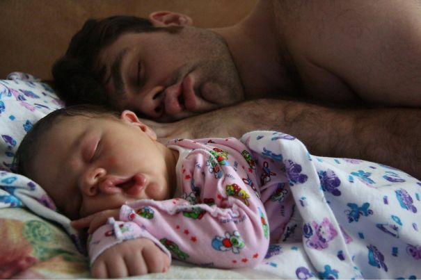 perierga.gr - Όπως ο πατέρας έτσι και ο γιος!