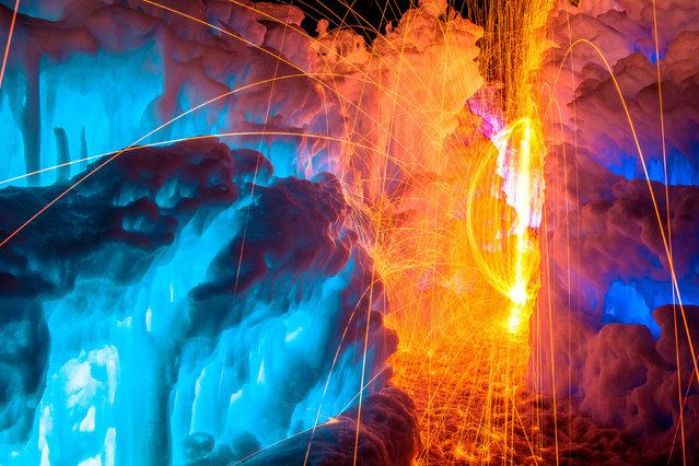 perierga.gr - Μαγικά κάστρα πάγου & φωτιάς!