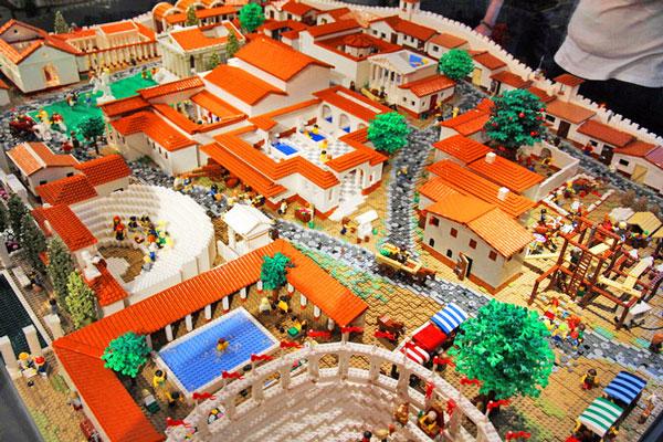 perierga.gr - Η αρχαία Πομπηία με... 190.000 Lego!