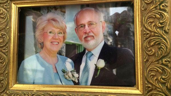 perierga.gr - Γράφει ερωτικό γράμμα στη γυναίκα του κάθε μέρα για 40 χρόνια!