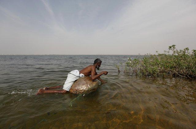 perierga.gr - Παραδοσιακό ψάρεμα στο Πακιστάν!