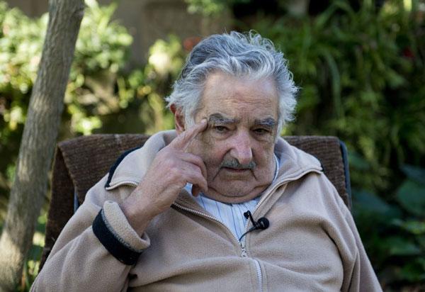 perierga.gr - Ο πιο φτωχός πρόεδρος στον κόσμο διδάσκει!