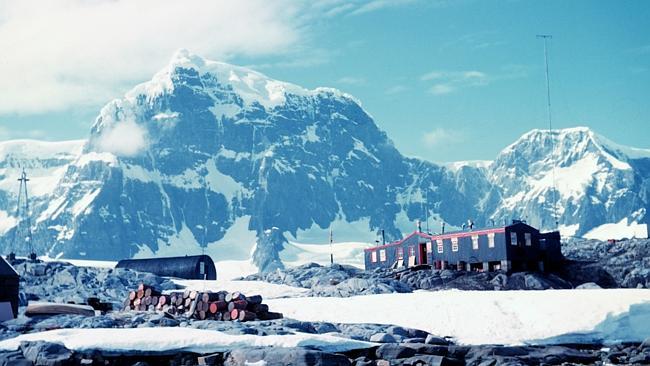 perierga.gr - Ζητείται ταχυδρόμος στην Ανταρκτική!
