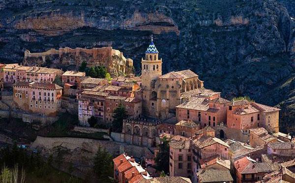 perierga.gr - Albarracín: To χωριό που σε ταξιδεύει στον Μεσαίωνα