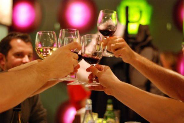 perierga.gr - Εξαφάνισαν από το κρασί το hangover!