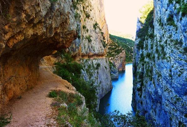 perierga.gr - Το εκπληκτικής ομορφιάς φαράγγι Mont-Rebei