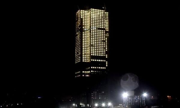 perierga.gr - Έχτισαν ουρανοξύστη 57 ορόφων σε 19 μέρες!