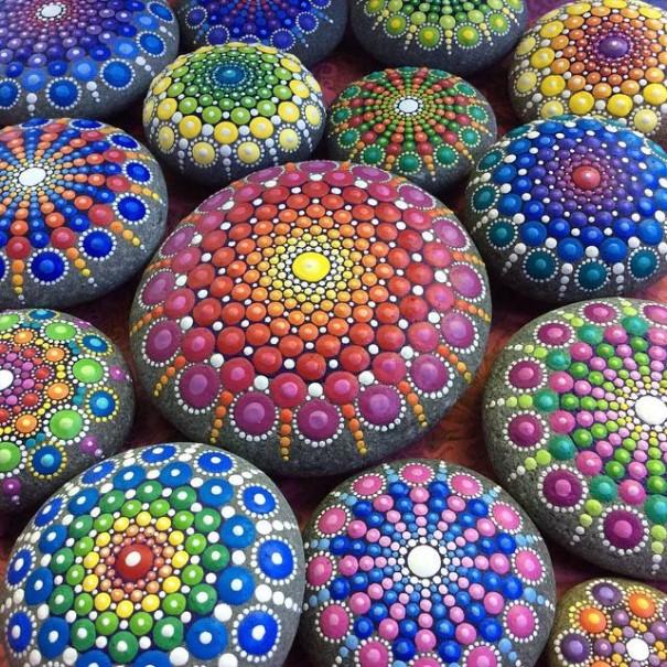perierga.gr - Λεπτομερής ζωγραφική πάνω σε πέτρες!