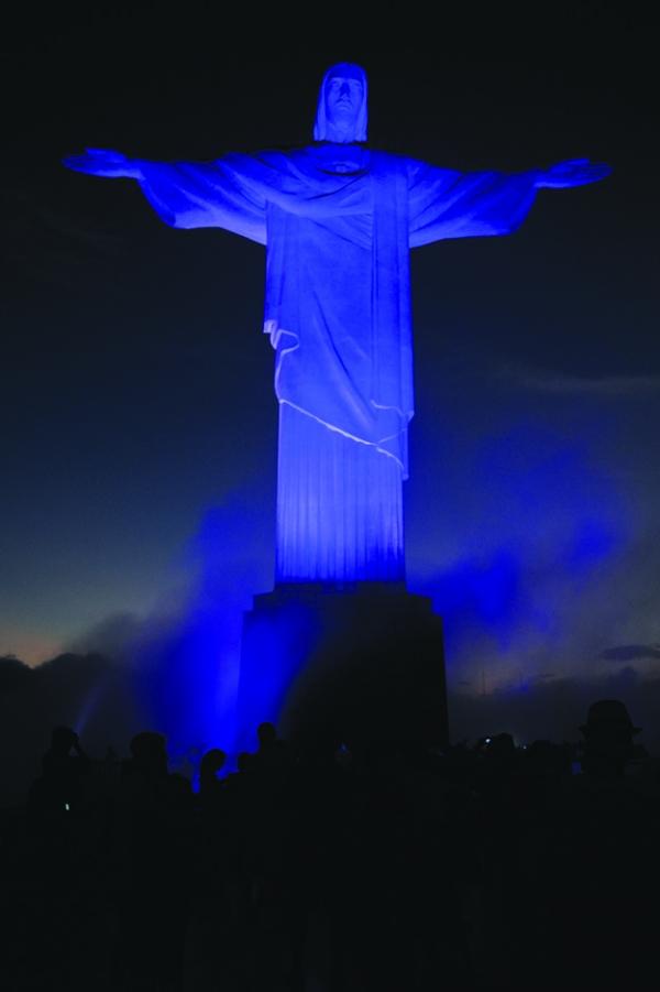 "perierga.gr - Kτήρια που έγιναν ""μπλε"" για την Παγκόσμια Ημέρα Αυτισμού!"